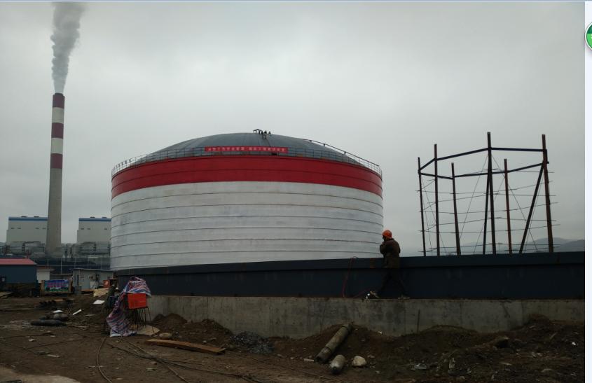 甘肃平凉2座直径45米的 粉煤灰钢板库施工现场