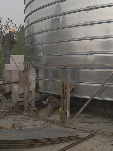 直径12米的起架螺旋仓施工现场